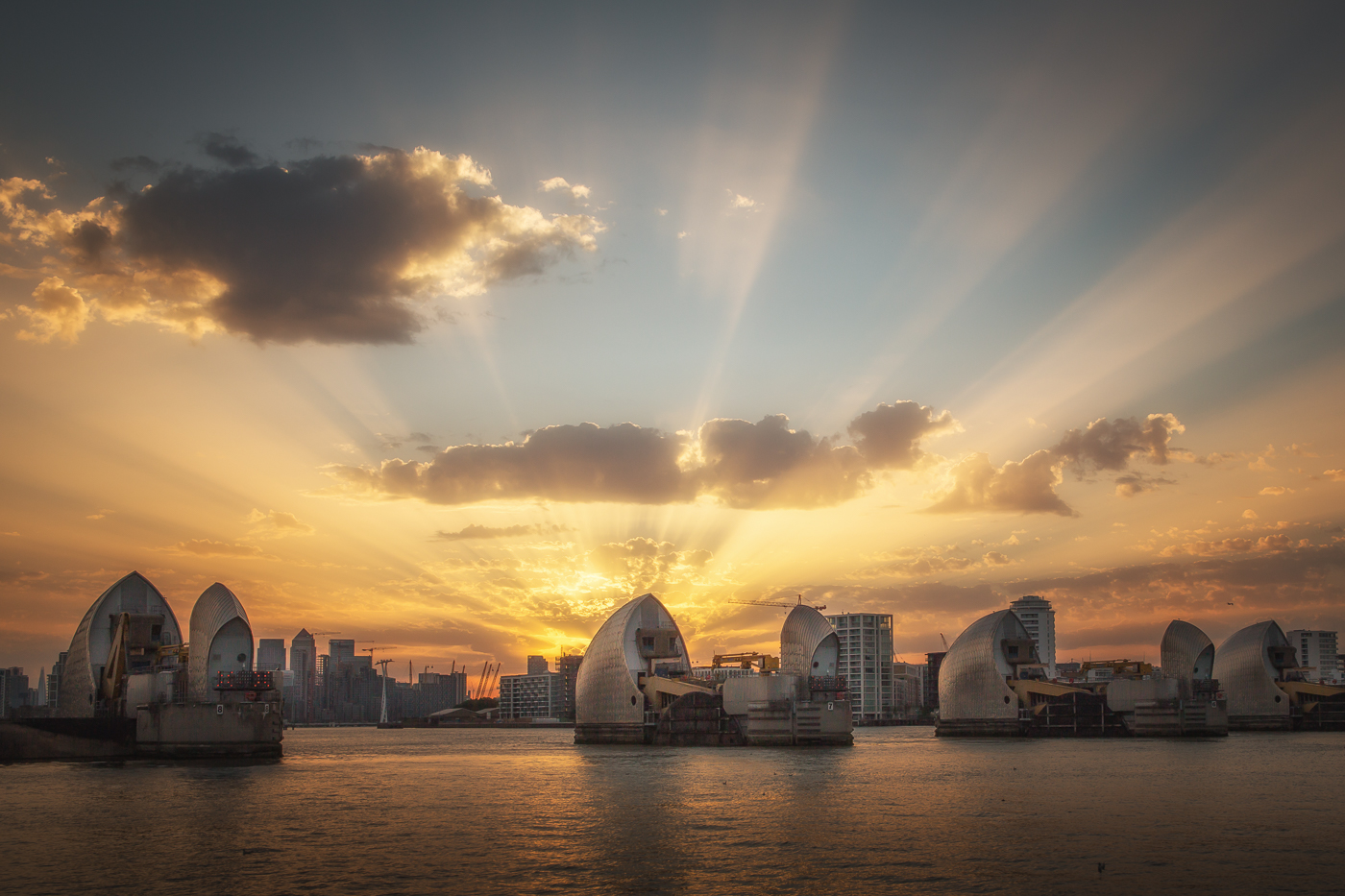 Sunset Over The Thames by Melanie Butcher